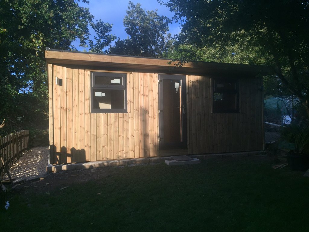 Large garden room made to measure garden buildings for Large garden buildings
