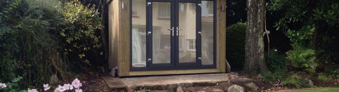Garden room with side panel windows made to measure for Garden room windows