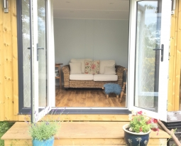 *updated Pictures* Garden Room Chepstow