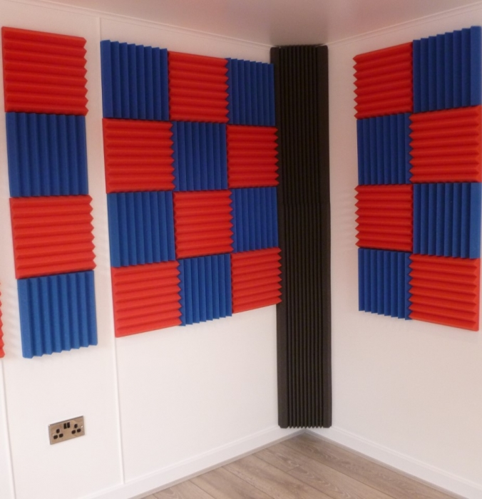 *UPATED PICTURES SOUNDPROOF ROOM*